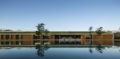 圣保羅現代綠色住宅,充滿質感的綠草屋頂有著濃濃的自然氣息