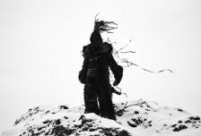 多媒體藝術家Philip Ob Rey用廢棄磁帶創造游蕩在景觀中的幽靈相關圖片