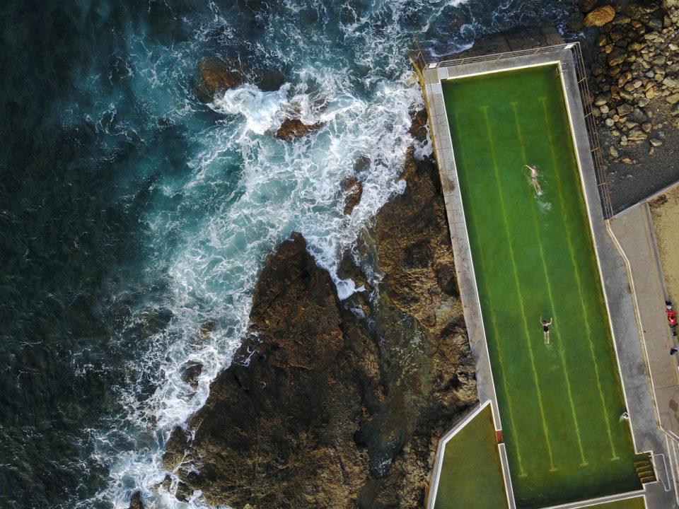 #航拍摄影#澳大利亚岩石海岸线上历史的相关图片
