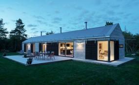 這個度假屋是圍繞著創建一個現代的想法設計而成!