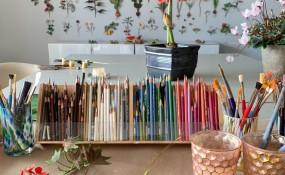 安·伍德四年的創作,一堵花墻的枝繁葉茂