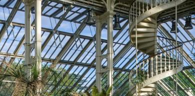 世界上最大的维多利亚式玻璃房子得到修复