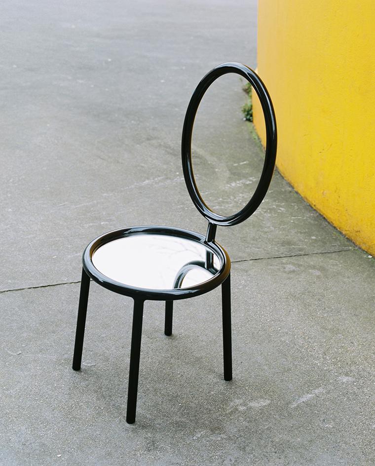 """17名設計師和藝術家重新詮釋了迪奧的""""大獎""""座椅"""