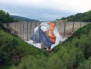 Ella&Pitr 巨大的艺术壁画描绘了一个法国难民