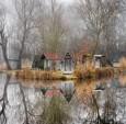 一个神秘的渔村被梦幻地捕捉到了