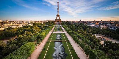 藝術家Saype 用生態街頭藝術向世界展現友好的一面