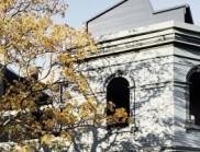 一個家庭住宅以優雅的精致擁抱了時代的建筑