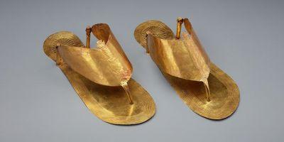 探索令人叹为观止的古埃及黄金葬礼凉鞋